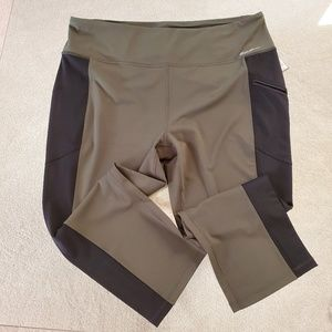 Eddie Bauer Capri active bottoms